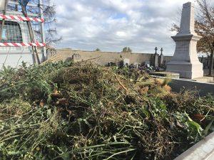Nettoyage du cimetière par les élus à Cruzilles